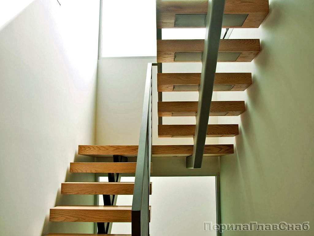 Лестница на косоурах изготовление